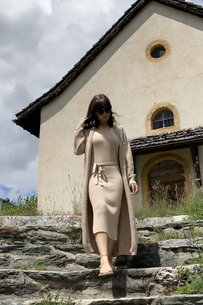 woman wearing sustainable clothing